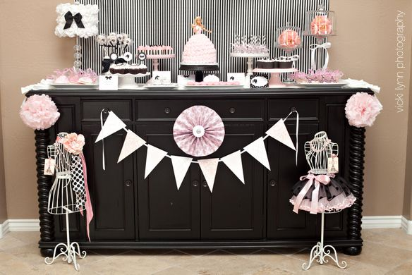 apparently this is a 4yr old's Paris themed birthday party....when my daughter turns 4 she won't get this, but it is really cute stuff.