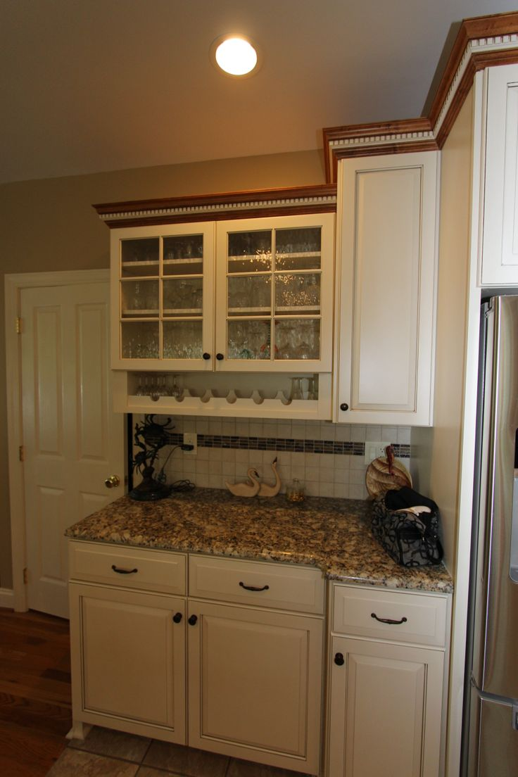 Maple crown molding kitchen cabinets - Gorgeous Glass Fronted Cabinet But Did You Notice The Under Cabinet Wine Rack Genius