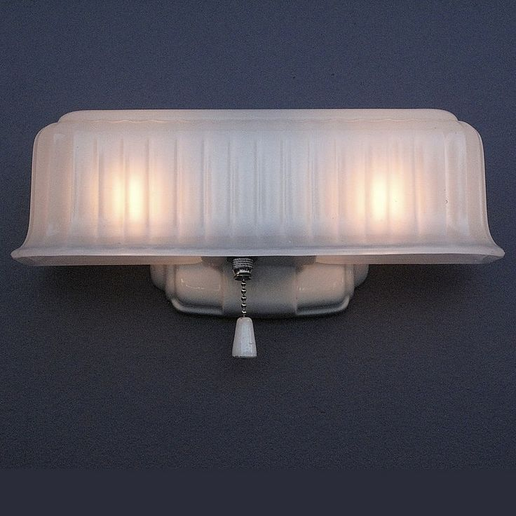 157 best images about vintage bathroom light fixtures on for Antique bathroom lighting fixtures