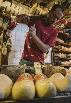 Gerry Newan: Traditional wooden shoemaker in Netherlands