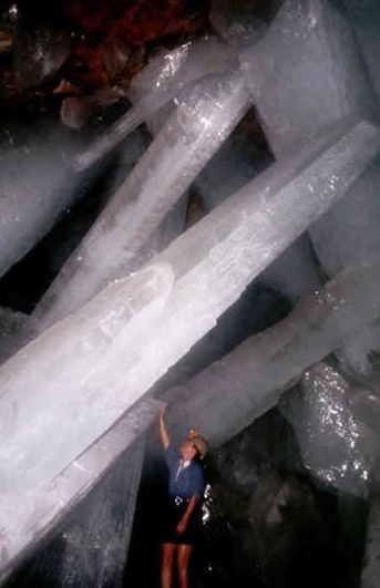 Largest Selenite ever found!  Can you imagine the CLEARING these would bring?  WOW