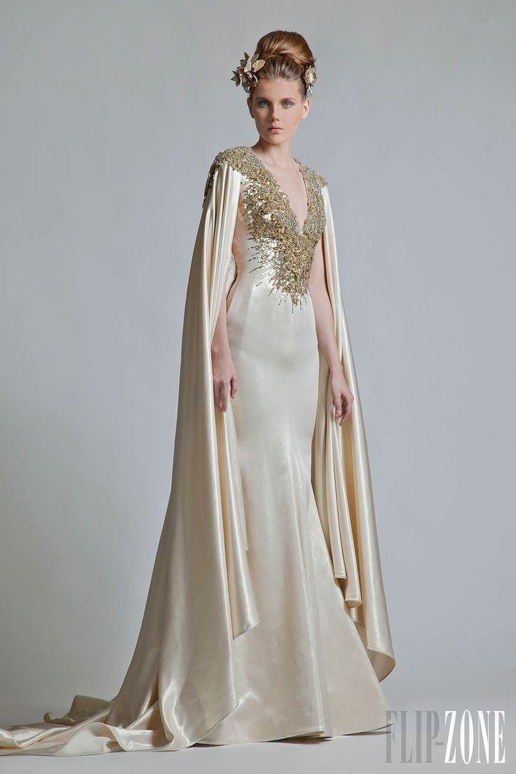 Krikor Jabotian - Alta-Costura - Coleção 2013 - http://pt.flip-zone.com/fashion/couture-1/independant-designers/krikor-jabotian-3388