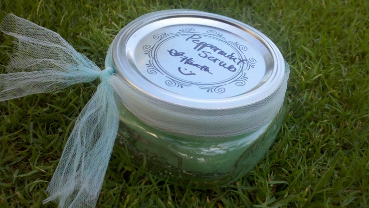 Homemade Mint Scrub (Be very careful on face - peppermint oil fumes can sting the eyes and burn the skin near the eyes.  Do a spot test before use.): Homemade Peppermint, Life, Homemade Scrubs, Gift Ideas, Peppermint Scrub, Motherhood, Christmas Gifts, Homemade Gift