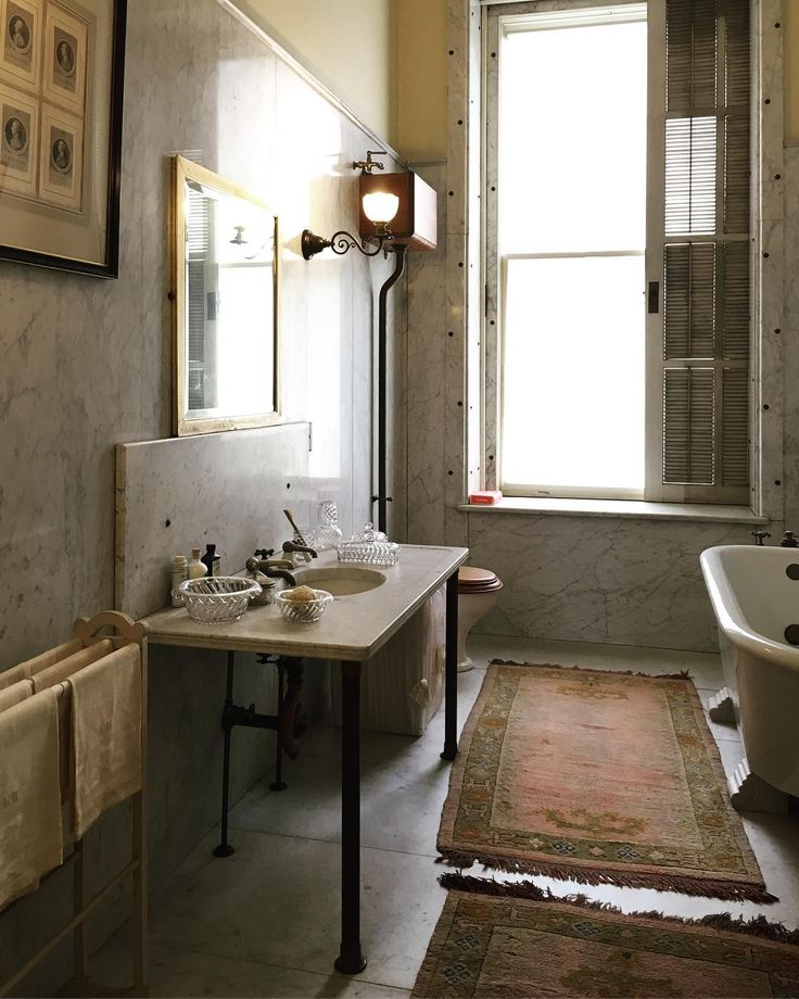Lowcountry Carriage House: 1096 Best Historic Bathrooms Images On Pinterest