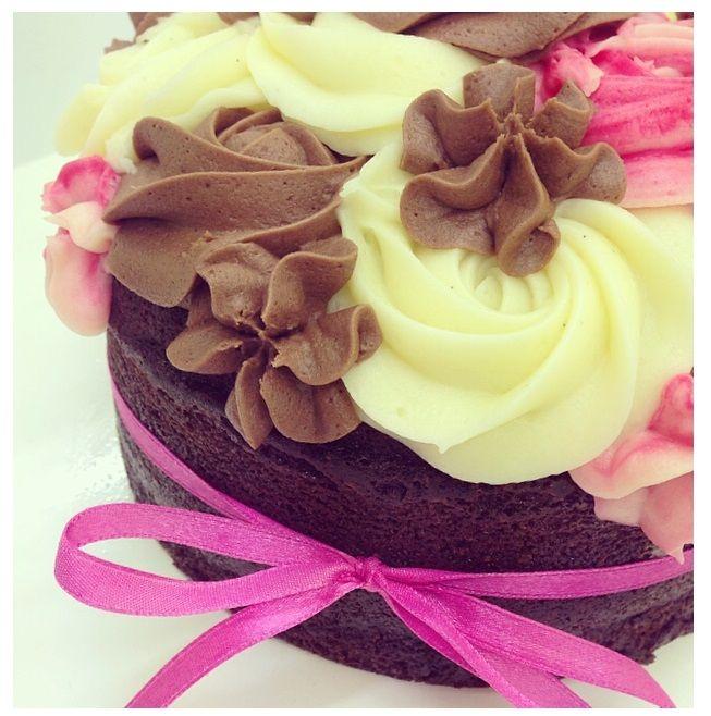 Petal Topcake - Chocolate Cake Sponge with Raspberry, Chocolate and Vanilla Cream Cheese Icing #petalcupcakes [6 inches]