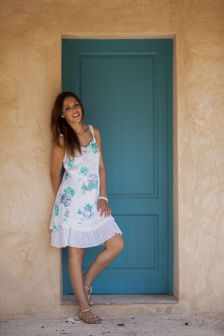 Vestido floreado para mujer.