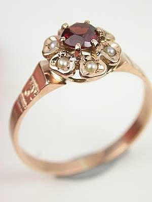 love this! antique, garnet and pearl...many of my favorite things all wrapped up in one beautiful package...someone please tell my man this is the one! haha...UPDATE: THIS IS MINE NOW!!!