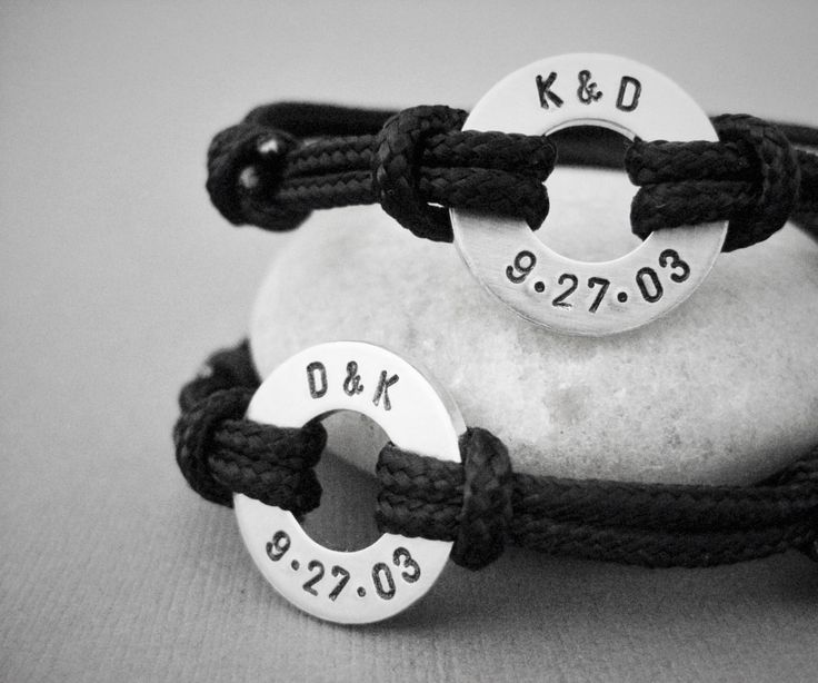 Matching stamped bracelet Set with Custom Date and Initials, 2 Bracelet Set, Adjustable Paraline cord, Couples Set, Custom Stamped Disc