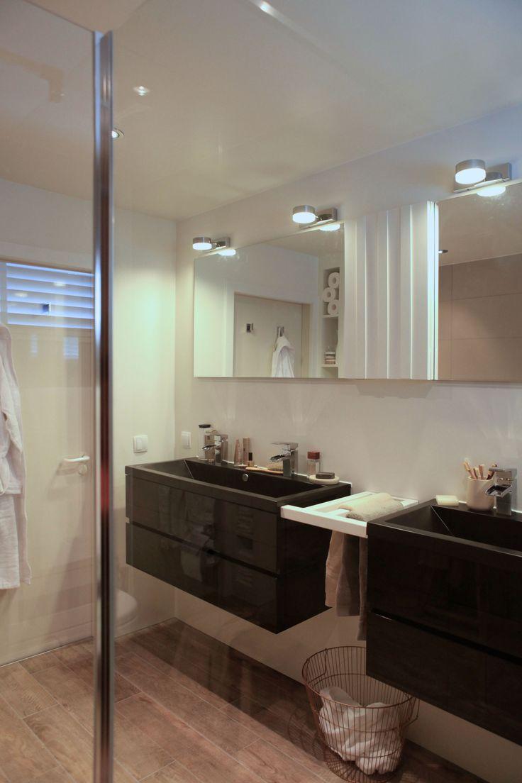 25 beste idee n over landelijke stijl badkamers op pinterest landelijke badkamer decoraties - Rustieke badkamer meubels ...