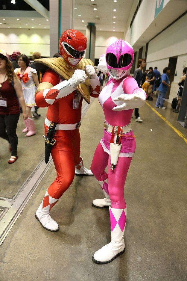 Jason (or Tommy) and Kimberly (or Kat). Either way you look at it, IT'S MORPHIN' TIME! | 25 Couples Who Totally Dominated Cosplay At Anime Expo