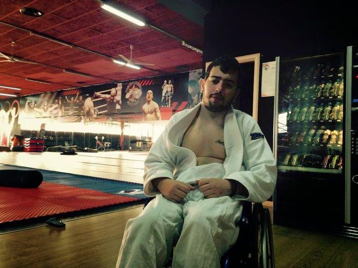 ΑΤΑΛΑΝΤΗ: Δύναμη ψυχής! Αν και σε αναπηρικό αμαξίδιο, είναι ...
