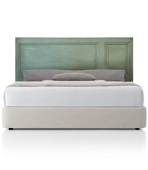 Respaldo de cama de madera