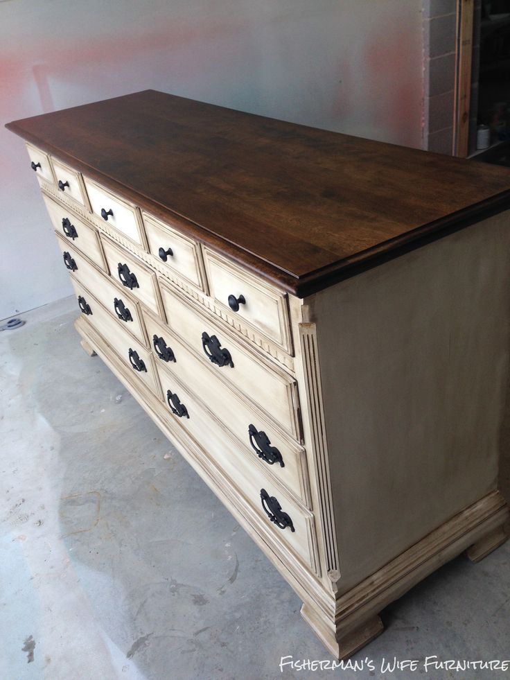 Brian & Kaylor Painted Distressed and Glazed Dresser #fishermanswifefurniture #brianandkaylor #painteddistressedglazed