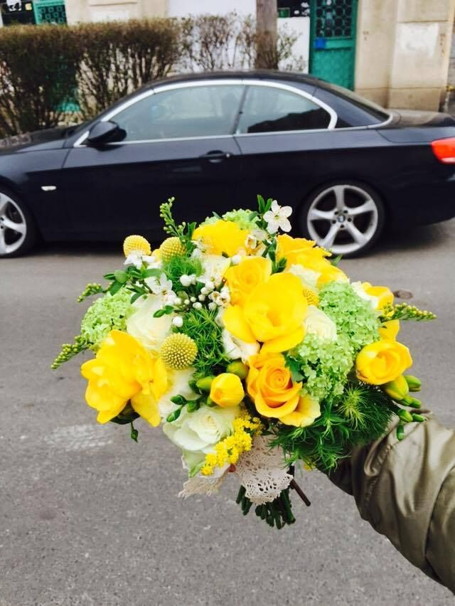 bridal bouquet- fresh effect with yellow, white and light green flowers