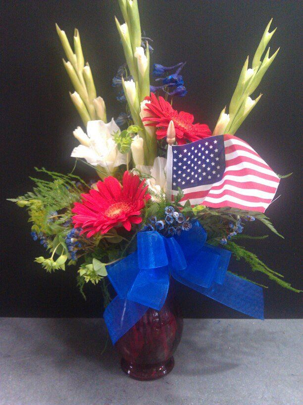 17 best images about forth of july arrangements on for Red white blue flower arrangements