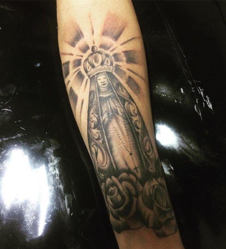 65 fotos de tatuagem de Nossa Senhora que vão te inspirar | Tatuagem, Tatuagem anti braço, Tatuagem braço inteiro feminino
