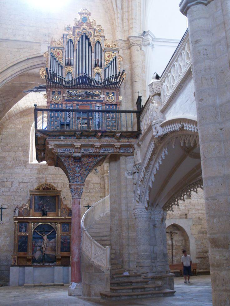 Órgano de la Iglesia de San Hipólito en Támara de Campos España. construido en 1785