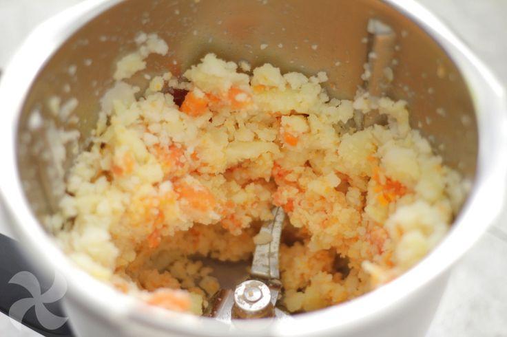 Truco: cómo cortar los ingredientes de una ensaladilla rusa en 15 segundos - http://www.thermorecetas.com/truco-cortar-los-ingredientes-una-ensaladilla-15-segundos/