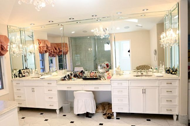 The Real Housewives of Beverly Hills Photos | Tour Kyle Richards' Home (and Closet!)