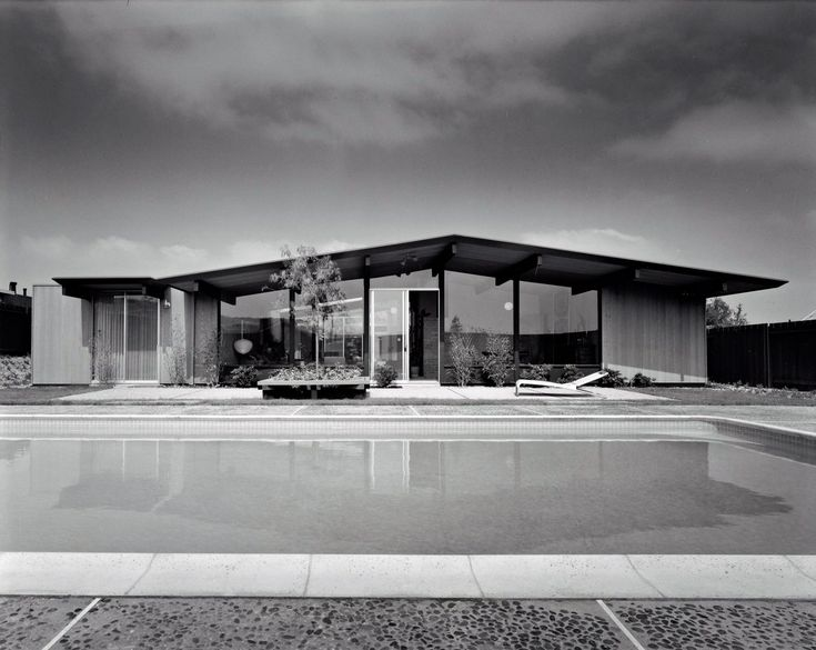 Beginning in the late 1950's property developer Joseph Eichler was a principle advocate for bringing modern architecture to the general public and hired noted architects to design homes that were both innovative and practical. Between 1950 and 1974 Eichler's company built more than 11,000 homes in California including development in Conejo Valley, California showcasing designs by A. Quincy Jones and Frederick Emmons. Photo: Getty Trust