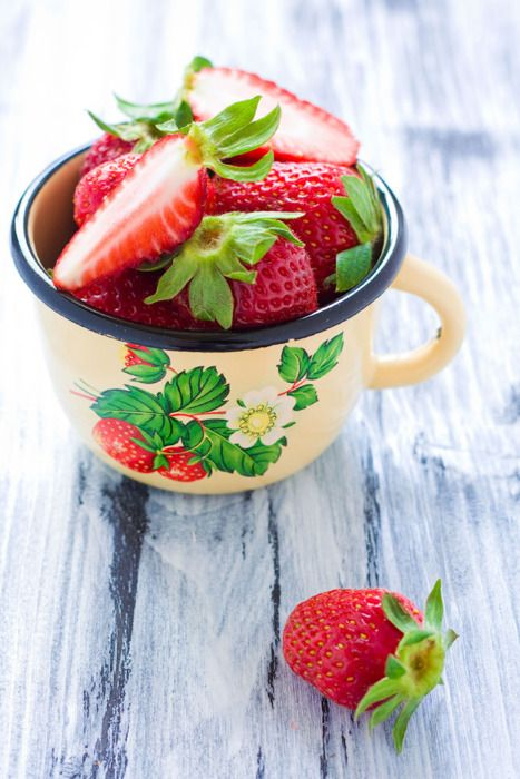 17 best images about strawberry kitchen on pinterest - Strawberry kitchen decorations ...