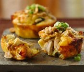 Mini Thai Chicken Pies (and more varieties!)   Freeze/microwave/off you go!: Impossible Easy, Minis Pies, Chicken Pies, Minis Thai, Minis Dog Qu, Thai Chicken, Chicken Pots Pies, Easy Minis, Minis Pot Pies