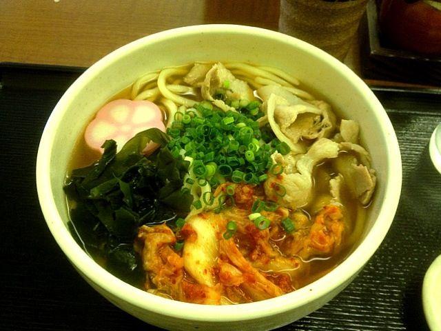 ここは何を食べても美味いわー - 10件のもぐもぐ - 豚キムチうどん by chan mitsu