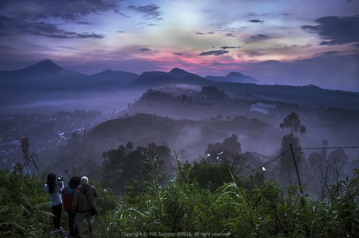 Capturing Mystical Sunrise - For photographer who love sunrise and sunset, Gunung Batu is one of the finest spot to capture the beauty of Bandung and Lembang sunrise and sunset.