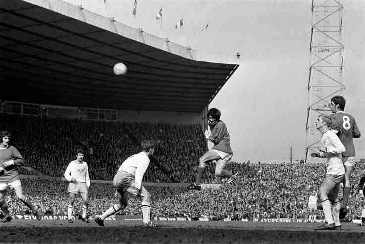 Man Utd 1 Blackpool 1 in Sept 1970 at Old Trafford. George Best scores with a header for United #Div1
