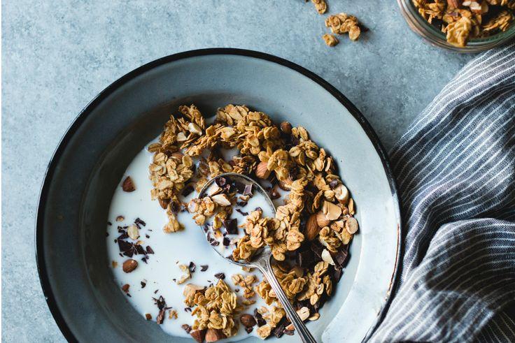 Gezonde recepten - Glutenvrije en vegan granola (glutenfree & vegan homemade granola) Recept: http://freshhh.nl/recepten/homemade-granola-glutenvrij-vegan/