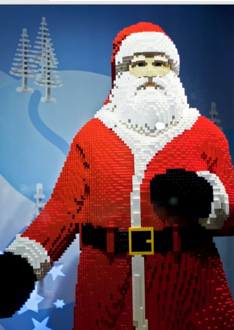 Awesome LEGO Creations - Lego Santa Claus - Click Pic for 25 #lego #party #ideas