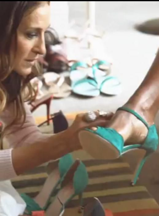 VIDEO - Sarah Jessica Parker shoes collection for Nordstrom   http://fashionrunnerpoint.com/sarpe-sarah-jessica-parker-video/