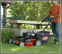 Self-Propelled Lawn Mower Buyer's Guide - How to Pick the Perfect Self-Propelled Mower