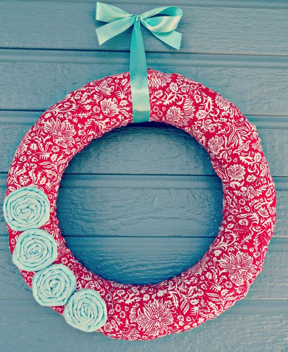 Cover a wreath in fabricCrafts Ideas, Fabrics Flower, Doors Decor, Bunco Ideas, Aqua Fabrics, Wreaths Ideas, Fabrics Wreaths, Mint Fabrics, Covers Wreaths