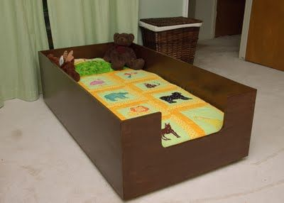 Lilybug Designs: Toddler Bed. This would be perfect for Liam because he love to roll off the bed xP