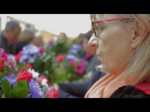 Carrefour Côté Coulisses : Fleuriste - YouTube