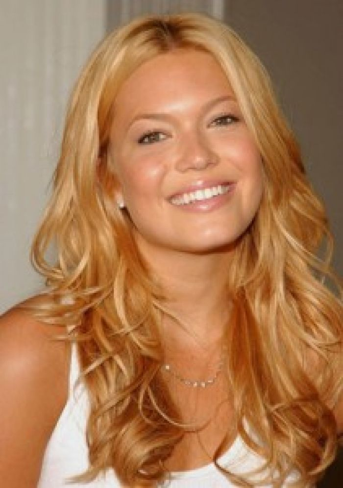 Best 25 Yellow Blonde Hair Ideas On Pinterest Blonde