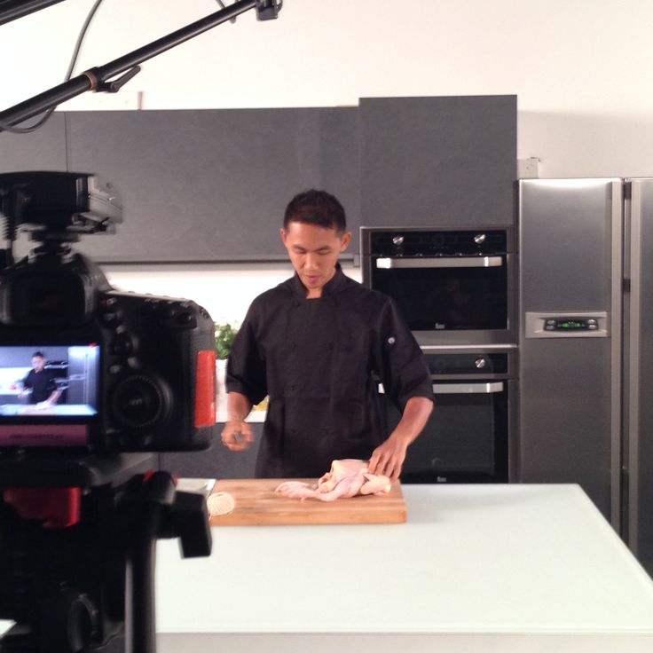 We love filming days! And this time we have a chicken in the studio. What's your favourite chicken dish?