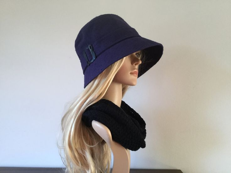 Blue 1920s-inspired cloche hat, size 58 to 60 cm - pinned by pin4etsy.com