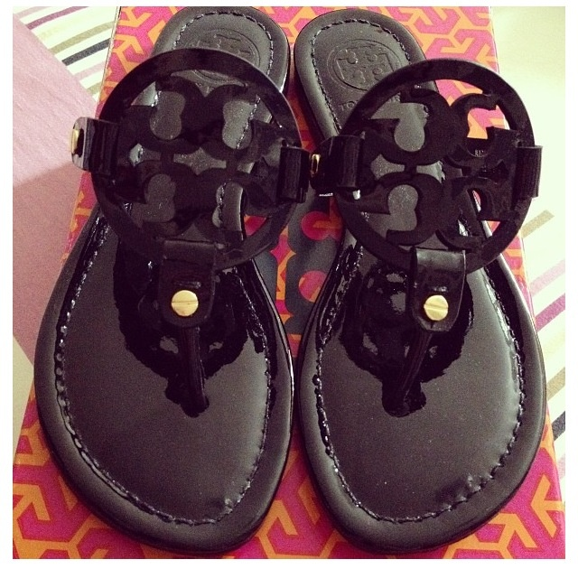 goes with everything summer sandal <3 #toryburch NEED THESE!!!!!!!