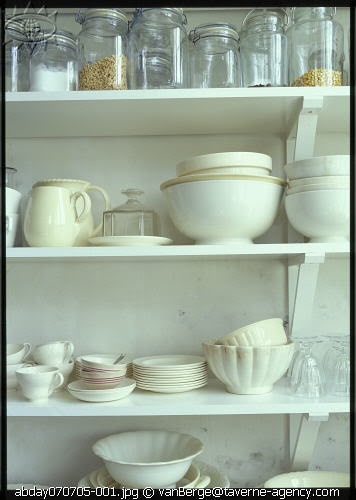simple storage: Open Shelves, Simple Storage, Beautiful Pots, White Dishes, Dinning Rooms, Farmhouse Kitchens, Country Kitchens, Kitchens Fun, Kitchens Organizations