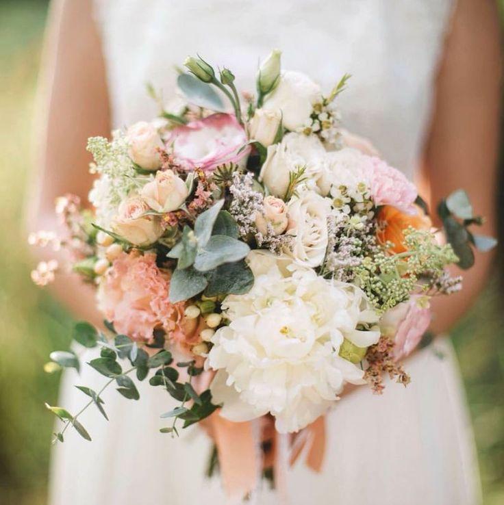 #WeddingBouquet - ślubny bukiet na Instagramie , fot. Instagram/klaratru