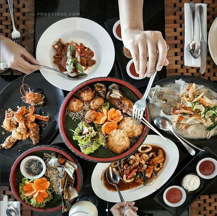 Date night wrapped up at #TheTAOBAli. Get your fork into these delicious Pan Asian dishes, and don't forget to order a couple cocktails while you're at it.   www.benoaresort.com #thetanjungbenoa #thetanjungbenoabeachresortbali #TheTAOBali #bali Picture by: @bananakollective