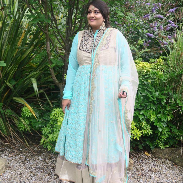 Creep game strong... Even when I'm dressed like the Punjabi Elsa #letitgo ����✨ • • • #snaparetto #amarettosworld #thenextcHApter #harpzwedding #harpzwedsamrit2017 #mybestfriendswedding #sikh #punjabi #wedding #sari #indianfashion #asianfashion #jacketdress #anarkali #anarkalisuit #tika #bindi #weddingattire #crepgamestrong #trainers #reebok #reebokclassics #frozen #elsa #disney #princess http://misstagram.com/ipost/1569446077055945622/?code=BXHyuRNDMuW