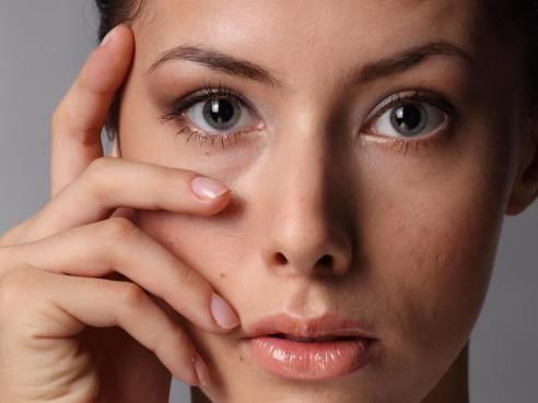 Cosmétiques chimiques : toxiques à long terme ? - Feminin Bio