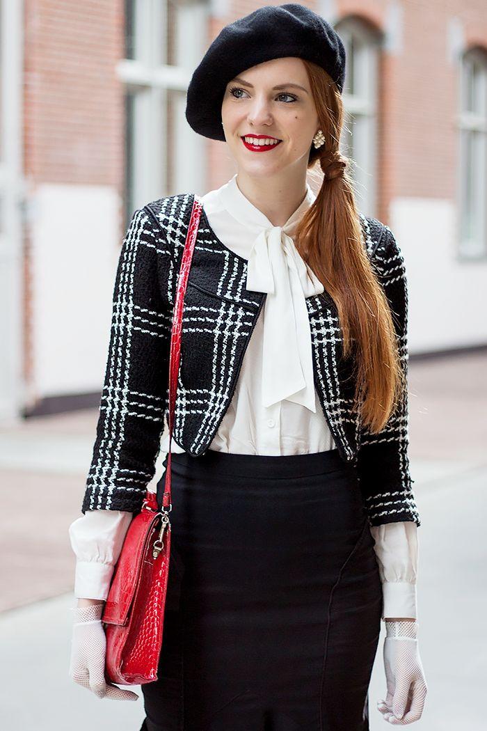 Vintage fashion blogger outfit met peplum rok