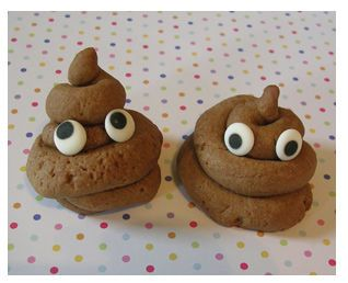 poop cookies...how can you say no to those eyes! LOL! seriously laughed at this for forever. If we ever have a doggy party, im totally making these XP