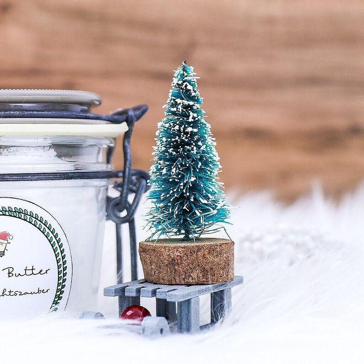 http://ift.tt/2BHeblO DIY BODY BUTTER // Schon gesehen? Auf dem Blog ist heute morgen eine neue Geschenkidee für Weihnachten online gegangen! Ich zeige dir wie du aus 3 einfachen Zutaten eine weihnachtlich duftende pflegende Body Butter herstellen kannst (die auch noch aussieht wie Marshmellow-Creme ). Dazu gibt es auch wieder die passenden Etiketten zum Ausdrucken. Nichts wie hin! #linkinbio