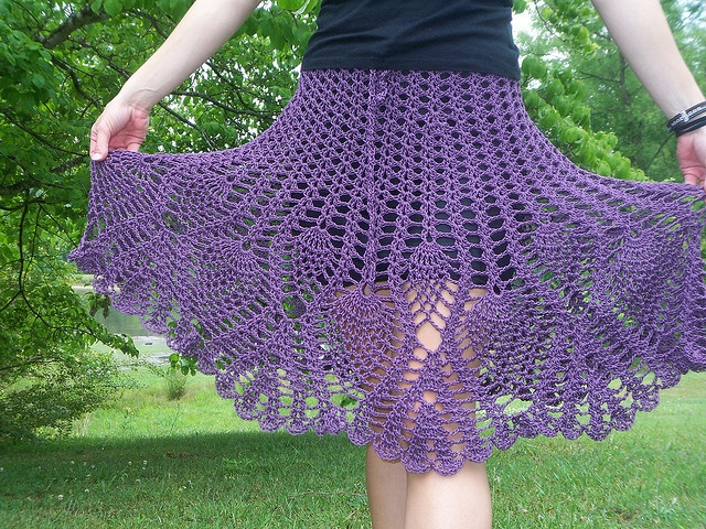 Crochet skirt with pineapple stitch