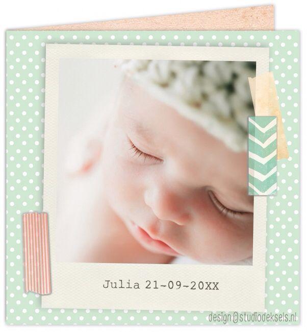 Studio Deksels • geboortekaartjes • foto • newborn shoot • stipjes • dots • groen • polaroid • tape • zalmroze